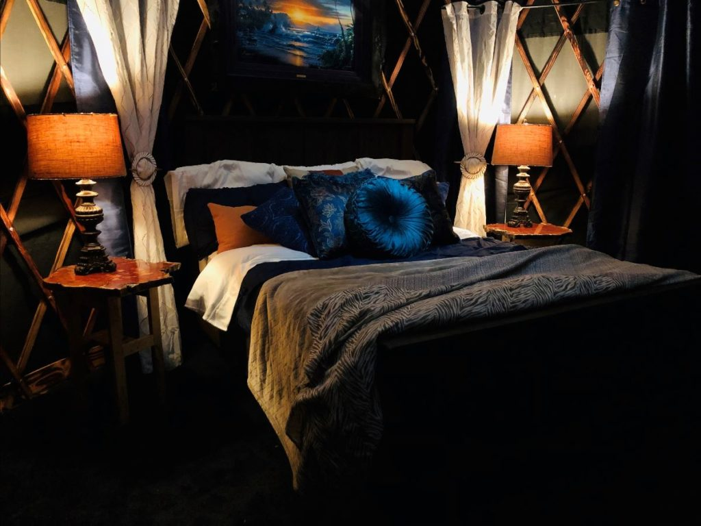 yurts black